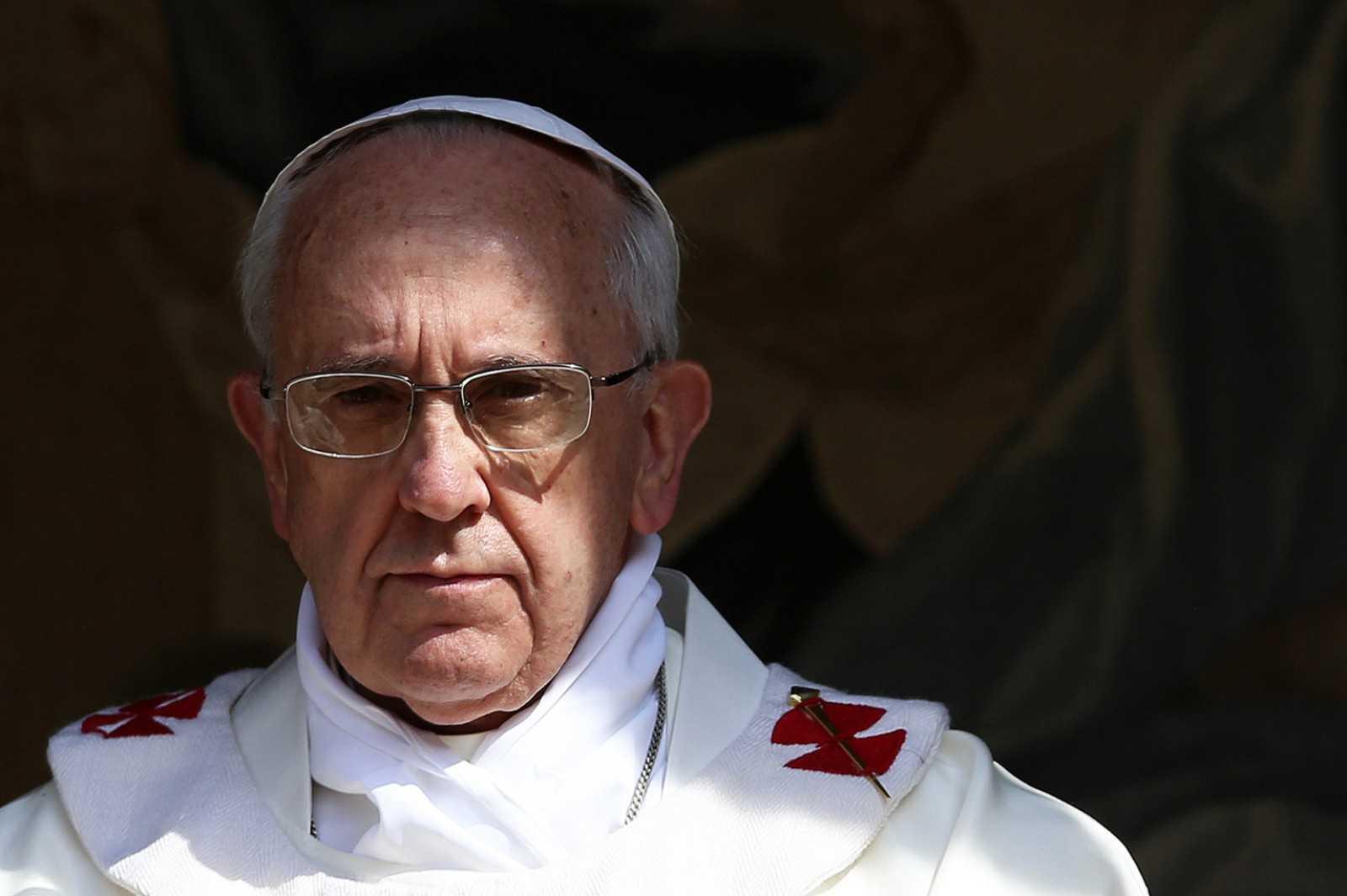 Seful catolicilor din România pretinde ca PATRIARHUL DANIEL l-ar fi invitat verbal pe PAPA FRANCISC in tara