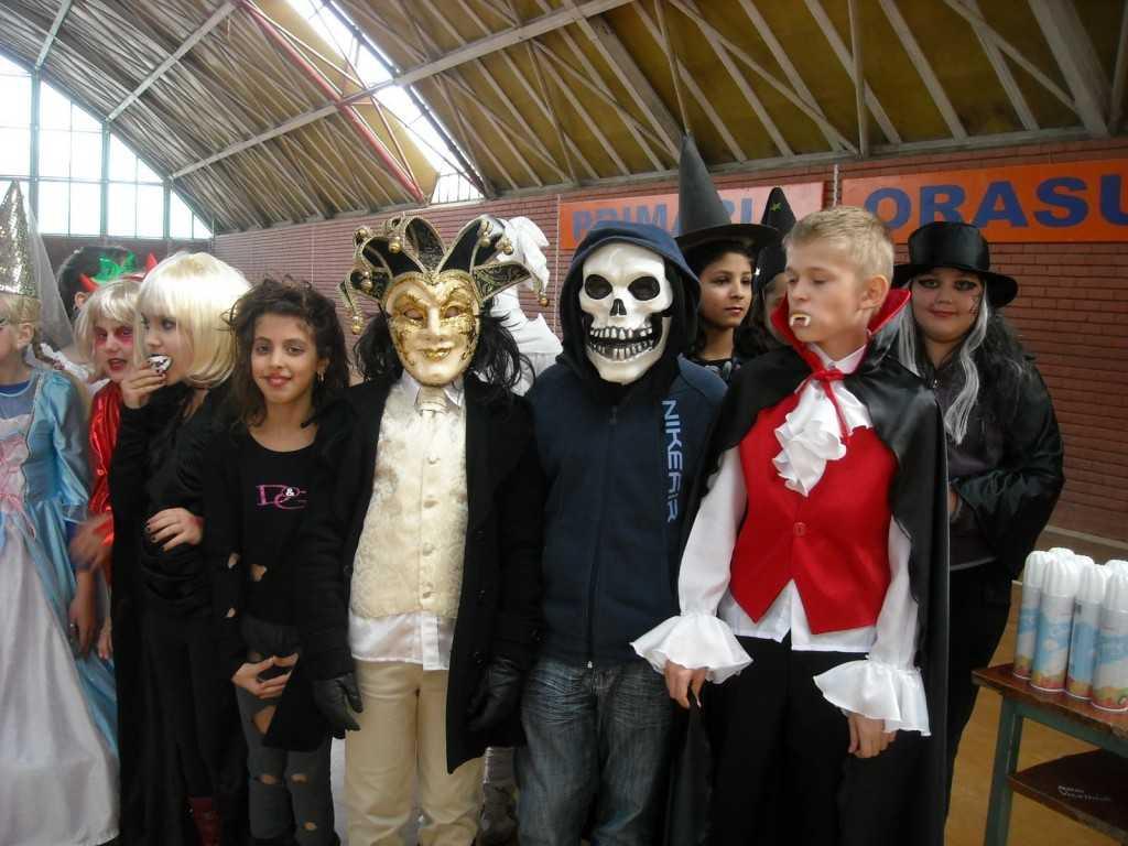 Halloween-in-scolile-din-Romania