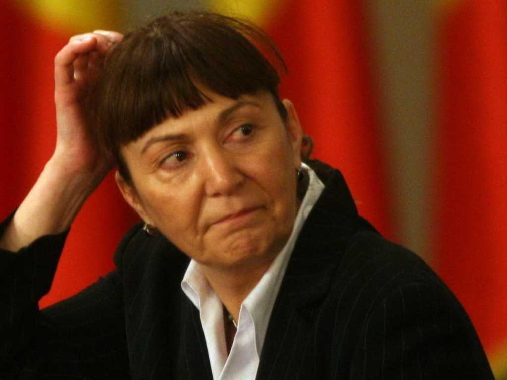 Monica-Macovei-vrea-să-ELIMINE-orele-de-RELIGIE-din-şcoli.-ATAC-DUR-la-adresa-bisericii-ortodoxe