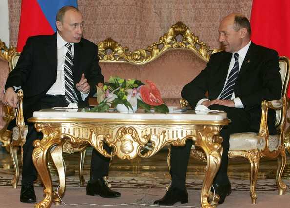 "Un ziarist german pretinde ca a fost AGENT CIA, ca si multi alti ""jurnalisti cumparati"", acuzand serviciul secret american de <i>""PROVOCAREA UNUI RAZBOI MONDIAL""</i> CU RUSIA/ Serghei Lavrov critica Curtea Constitutionala a MOLDOVEI"