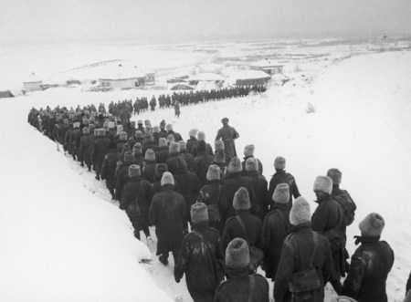"<i>""TIPAM, DAR NIMENI NU NE AUZEA""</i>. STALINGRAD – 1942: memorii din al doilea razboi mondial"