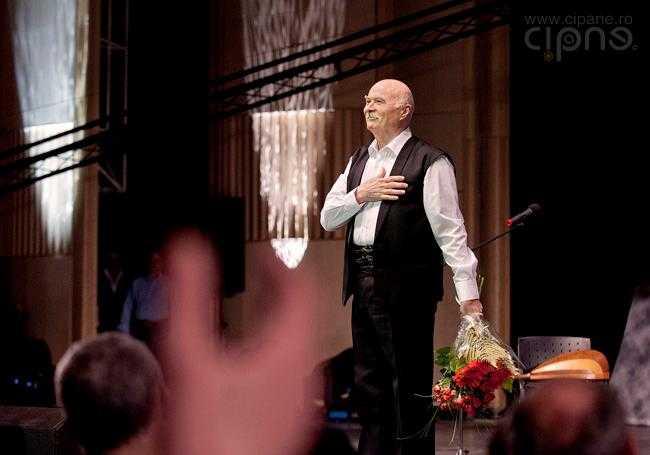 """TUDOR GHEORGHE pentru Gala premiilor Constantin Brancoveanu: <i>""""NI S-AU RETEZAT REPERELE. Se incearca macularea valorilor spirituale româneşti""""</i> (VIDEO)"""