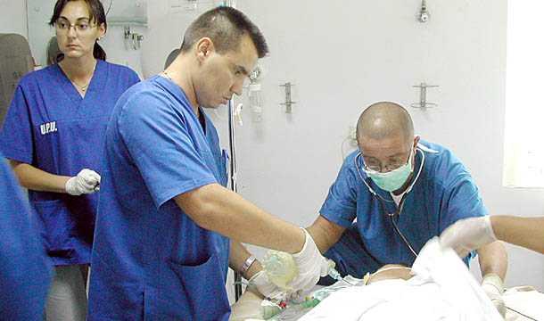 DEZASTRUL DIN SANATATE. Vasile Astarastoae despre <b>plecarea in masa a medicilor</b> in INDIFERENTA CRIMINALA A AUTORITATILOR/ <b>Dezbatere despre CARDURILE DE SANATATE la Ministerul Sanatatii</b>
