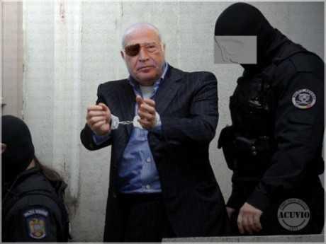 Dan_Voiculescu_la_DNA_Traian_Basescu_funny