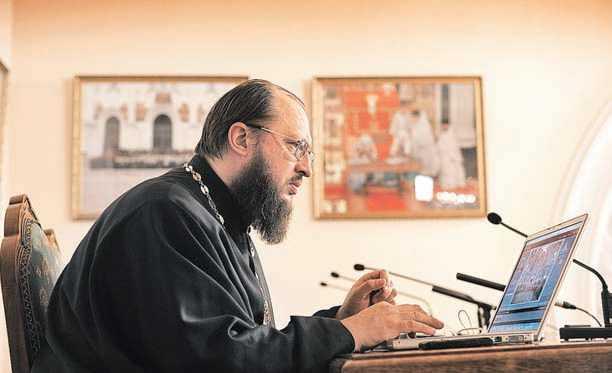 """PERICOLUL LIMITARII LIBERTATII DE EXPRIMARE. Opinia pr. Marcel Radut despre intentia Sinodului BOR de a """"evalua"""" preotii si monahii care comunica pe internet"""