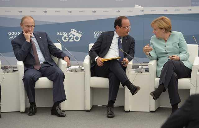 """Iohannis: <i>""""PERSPECTIVA RAZBOIULUI a revenit in Europa. TREBUIE SA FIM PREGATITI sa ne aparam tara""""</i>/ BLOCAJ IN NEGOCIERILE dintre Merkel, Hollande si Putin. Presedintele francez avertizeaza: <i>DACA NU AJUNGEM LA COMPROMIS, VA FI RAZBOI!</i>"""