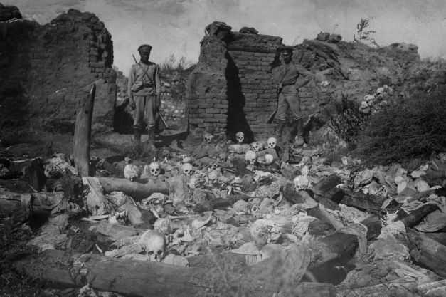 UPDATE/ Premierul Frantei: CRESTINII DIN ORIENT SUNT PE CALE SA FIE ERADICATI/ Povestea unei imigrante din Eritreea/ BOMDARDAREA YEMENULUI: PESTE O SUTA DE COPII UCISI/ Lectiile genocidul armean. Reflectii, istorie si scandal international. TURCIA CRITICA VEHEMENT RUSIA