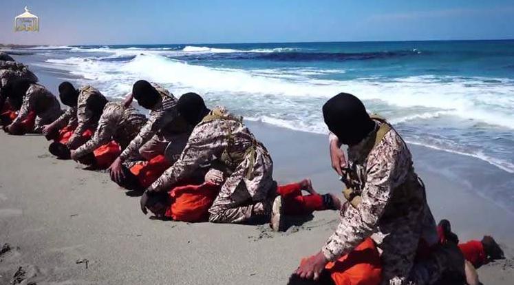 STATUL ISLAMIC MARTIRIZEAZA, PRIN DECAPITARE, INCA 30 DE CRESTINI (Video)/ Distrugerea Siriei crestine (Video)
