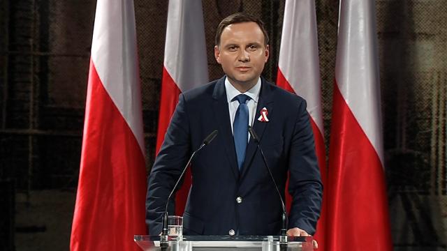 POLONIA: noul presedinte, reprezentant al PARTIDULUI CONSERVATOR si EUROSCEPTIC condus de Kaczynski/ PARTIDELE RADICALE castiga teren la alegerile regionale si locale din SPANIA