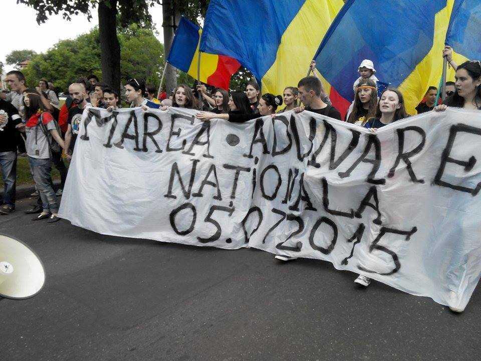 MANIFESTATIE PENTRU UNIRE LA CHISINAU. Ambasadorul SUA a participat la MARSUL LGBT, ignorand, totodata, cel mai amplu PROTEST PRO-ROMANESC din capitala Moldovei. PARADA GAY CU SCANDAL (Video)