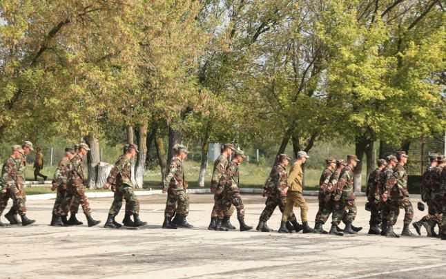 ROMÂNIA – STAT DIN CE IN CE MAI MILITARIZAT, DAT PE MANA SRI? Cat de aproape este introducerea serviciului militar obligatoriu?