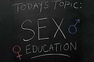 PROPAGANDA SI PRESIUNI INTENSIFICATE pentru introducerea EDUCATIEI SEXUALE OBLIGATORII in scolile romanesti