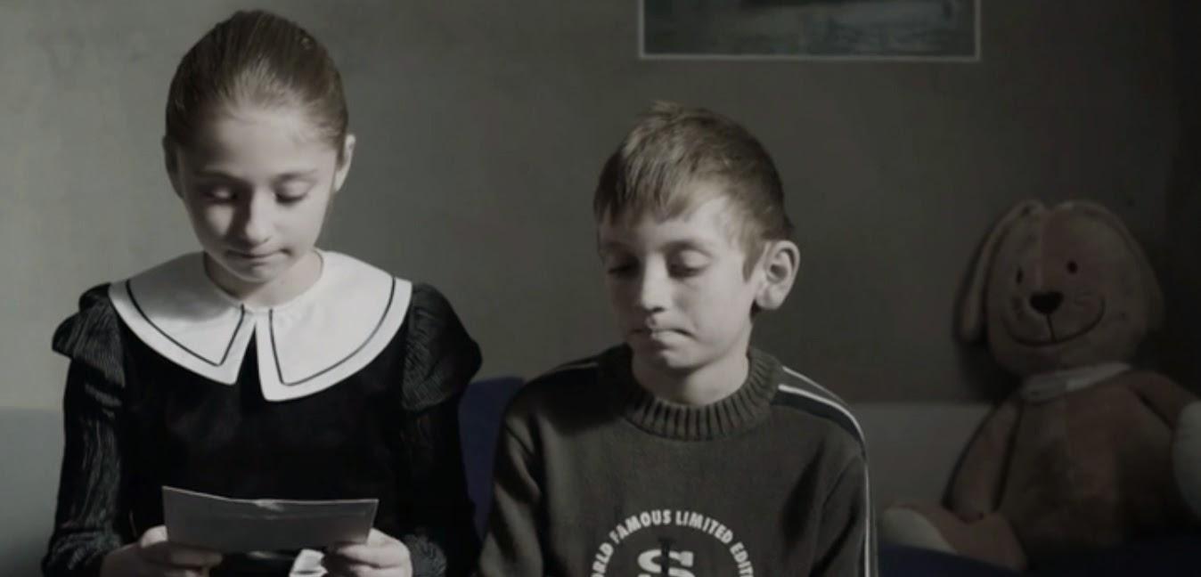 """ROMÂNIA FĂRĂ ROMÂNI: suntem a doua tara a lumii ca nivel de scadere a populatiei!/ PESTE 200 DE PRUNCI NENASCUTI UCISI IN FIECARE ZI IN 2014/ O alta TRAGEDIE sau CRIMA: Zeci de mii de copii români sunt abandonati in anii formarii lor de parintii lor plecati in strainatate: BANII NU INLOCUIESC PREZENTA! – <i>(video)</i> Scurtmetrajul """"Calea Dunarii"""" de Sabin Dorohoi/ JOACA PE CALCULATOR NU E JOACA"""