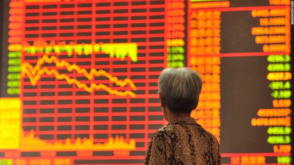 """Previziuni economice pentru 2016. SE PARIAZA DIN NOU PE CRIZA: """"UN AN CATACLISMIC"""" cu epicentrul in CHINA/ Posibilele consecinte negative ale deciziei FED asupra economiei romanesti"""