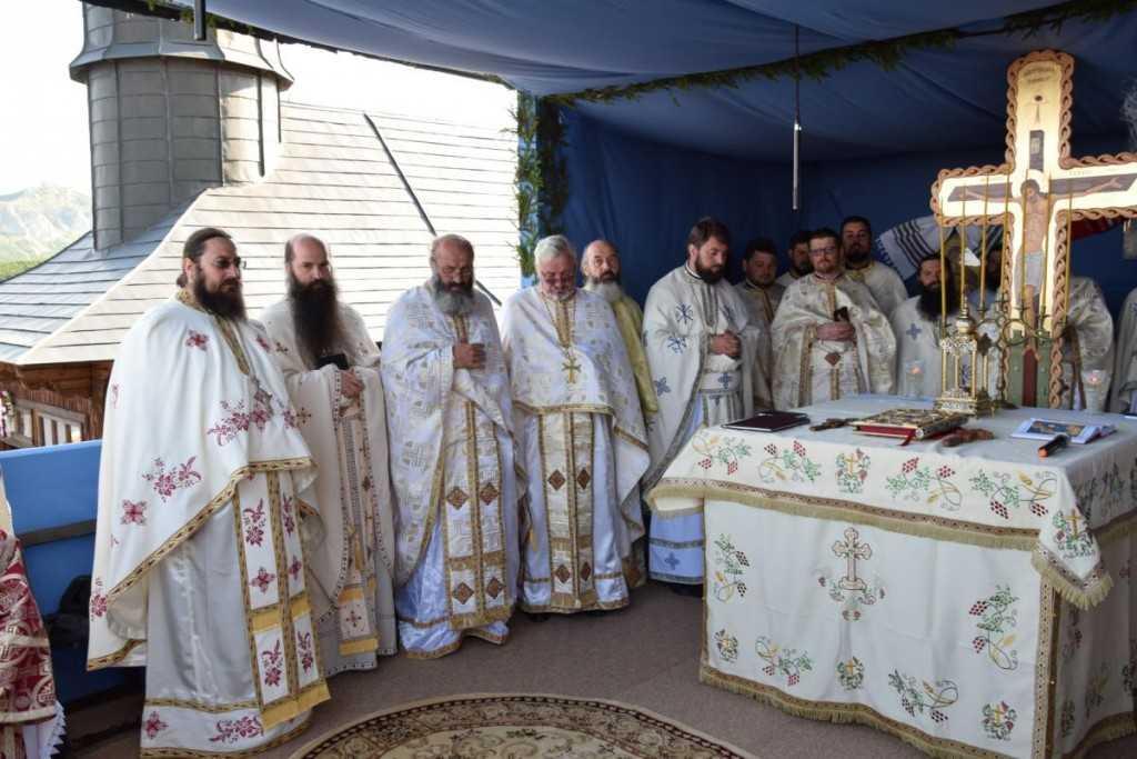 hram-manastirea_ceahlau-foto_tudorel_rusu_27