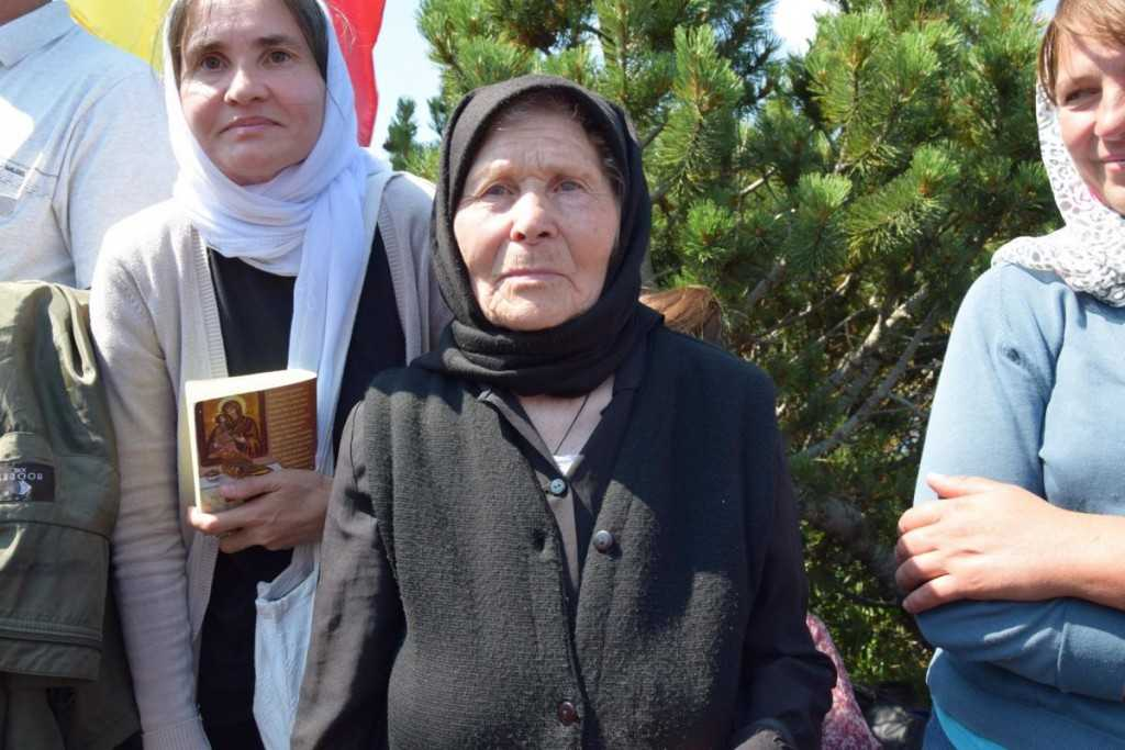 pelerini-manastirea_ceahlau-foto_tudorel_rusu_4