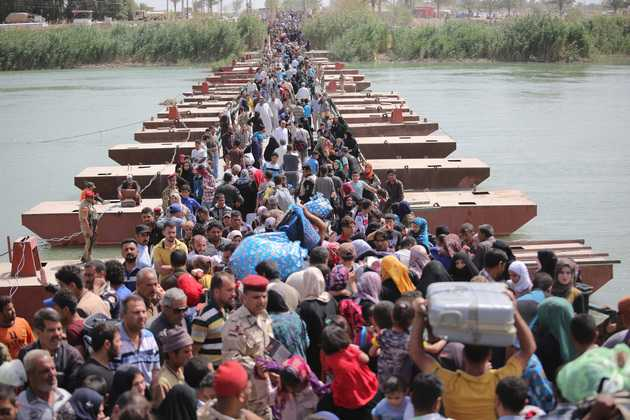 Thousands Flee As ISIS Seize Iraq's Ramadi