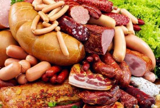 """VERDICT OFICIAL al OMS: CARNEA PROCESATA (mezelurile, carnea tocata etc.) si CARNEA ROSIE sunt CANCERIGENE! Centrul International de Cercetari asupra Cancerului recomanda <i>""""LIMITAREA CONSUMULUI DE CARNE"""". """"Fiecare portie de 50 de grame de carne procesata consumata zilnic creste riscul de CANCER COLORECTAL cu 18%""""</i>"""