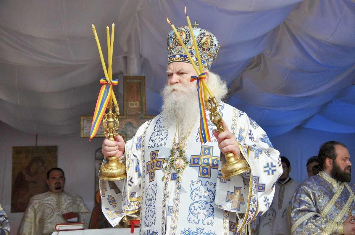"""<i>""""Stafia ateismului iconoclast se plimbă astăzi pe stradă. Astăzi este de bonton atacul la Biserica Ortodoxă!""""</i> – Raspunsul IPS CALINIC BOTOSANEANUL la halucinantul articol """"TALIBANIZAREA ORASELOR ROMANIEI TREBUIE SA INCETEZE"""" semnat de Cristian Badilita"""