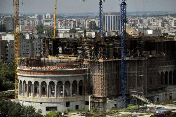SCANDAL IN JURUL FINANTARII CATEDRALEI. Clodilde Armand, de la USB, cere REFERENDUM privind finantarea Catedralei Mantuirii Neamului