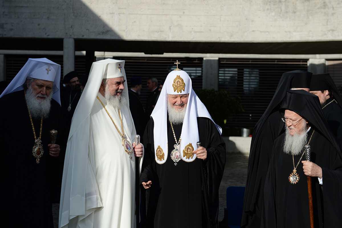 """PATRIARHUL KIRILL pe tema SINODULUI PANORTODOX: Nu vom numi Marele Sinod ca fiind """"ECUMENIC""""/ Recunoasterea unilaterala a SCHISMATICILOR din UCRAINA ar avea CONSECINTE CATASTROFICE pentru UNITATEA ORTODOXIEI/ Care este documentul pre-sinodal cel mai important in opinia liderului Bisericii Rusiei?"""