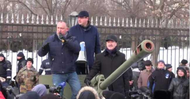 PREMIERUL MOLDOVEI IN ROMANIA (Video)/ Protestele de la Chisinau intre dezinformari si manipulari/ TELEVIZIUNILE RUSESTI PRETIND CA ROMANIA AR PUTEA ANEXA MILITAR MOLDOVA/ Mesajul Mitropolitului Vladimir
