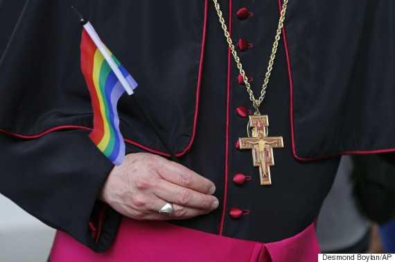 SCHISMA IN COMUNITATEA ANGLICANA. Ramura EPISCOPALA AMERICANA a fost SUSPENDATA pentru oficierea CASATORIILOR HOMOSEXUALE