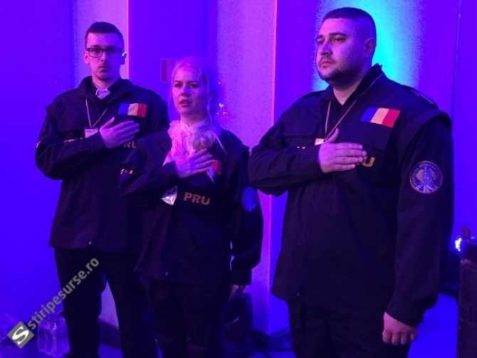 """DIN SERIA: <i>baietii cu ochi albastri stau de veghe patriei:</i> PARTIDUL ROMANIA UNITA al lui Bogdan Diaconu infiinteaza TRUPE PARAMILITARE, conduse de un celebru luptator de K1. CE POATE URMARI """"PATRULA LUI VLAD TEPES""""? (Video)"""