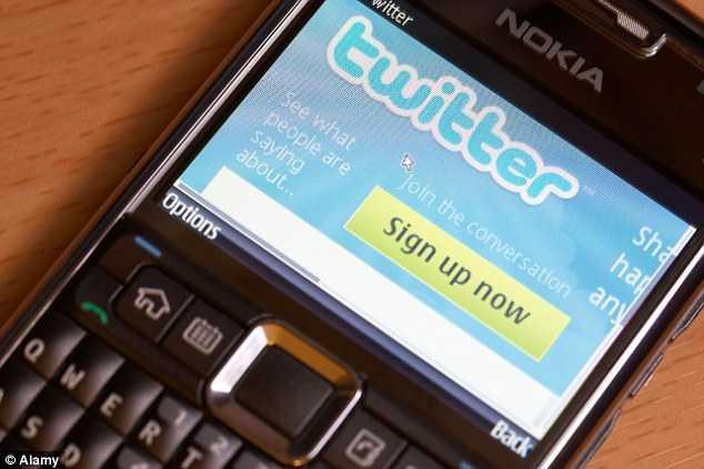 """STATUL POLITIENESC: <i>""""Scrii prea mult pe Twitter!""""</i> POLITIA DIN OLANDA a admonestat utilizatorii de Twitter din cauza MESAJELOR CRITICE la adresa CENTRELOR DE IMIGRANTI"""