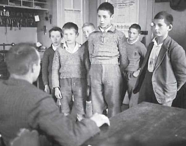 """Din istoria recenta a tarilor """"civilizate"""" care <i>""""din secolul 19 nu isi mai bat copiii""""</i> (III): &#8220;COPIL LUAT PE CONTRACT&#8221;. FILM DOCUMENTAR despre INGINERIILE SOCIALE ale ELVETIEI aplicate copiilor separati fortat de familii (VIDEO)"""