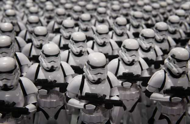 _87373845_stormtroopers_getty976b