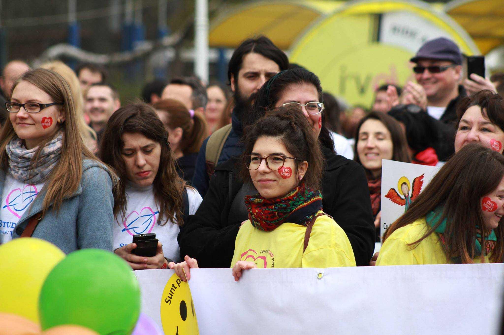 """MARSUL PENTRU VIATA 2016 – Video si Foto. Mii de persoane au marturisit valorile crestine/ Cine si de ce se """"radicalizeaza""""?"""