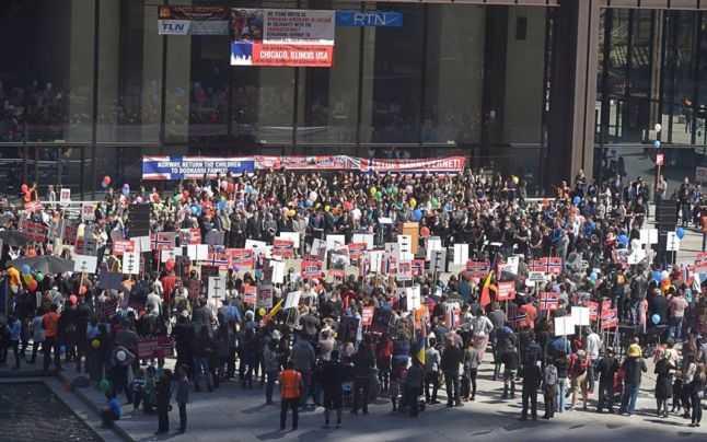 """GEORGE ALEXANDER – discursul protest fata de BARNEVERNET, MASINA DE RAPIT COPII: <i>""""Nu putem permite să se mai facă EXPERIMENTE pe Oameni! Pe copii si pe părinți nevinovați!""""</i>/ AGENTII BARNEVERNET SUNT DERANJATI DE RUGACIUNILE DE LA MASA LA REUNIUNILE FAMILIEI BODNARIU! Cum decurg intalnirile supravegheate ale familiei Bodnariu cu copiii rapiti"""