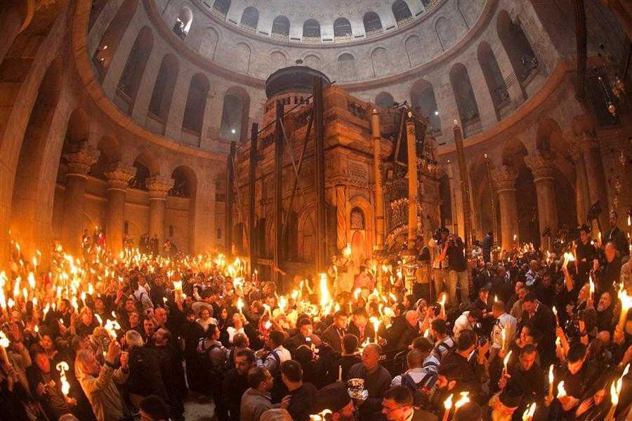 FĂRĂ SLUJBA SFINTEI LUMINI DE PAȘTI? Vecernia Sâmbetei Mari de la Sfântul Mormânt, în pericol de a fi anulată!/ REACȚII ALE BISERICILOR ORTODOXE SURORI PE TEMA CORONAVIRUSULUI. Comunicate de la Patriarhia Ecumenică, Biserica Ortodoxă Rusă, Biserica Ciprului, Arhiepiscopia Greacă a Marii Britanii, Bulgaria