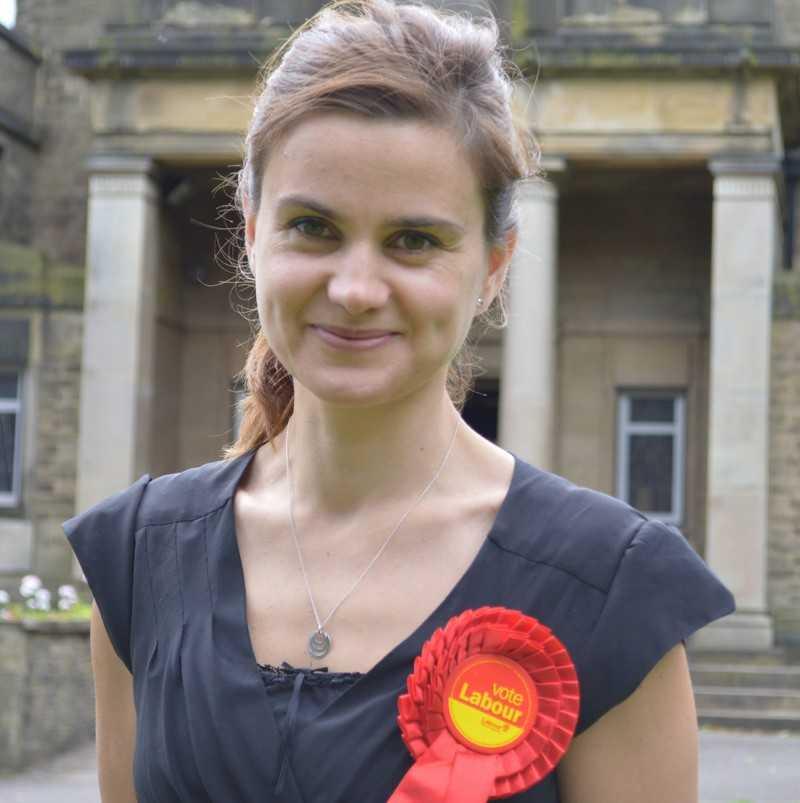 16.06.2016 &#8211; ASASINAREA DEPUTATEI BRITANICE JO COX, prin mana unui psihopat, INTOARCE SOARTA REFERENDUMULUI PENTRU BREXIT: <i>&#8220;Se creează martiri ai cauzei, pentru ca publicul britanic să voteze sentimental pentru rămânerea în Uniune</i>?