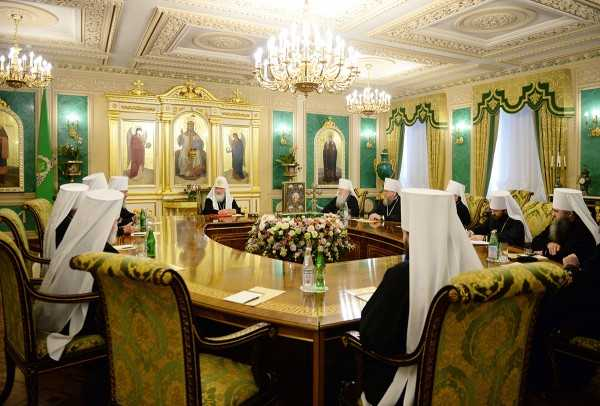 <i>Actualizare: traducerea integrala a deciziei Sinodului Bisericii Rusiei</i>. BISERICA RUSIEI cere AMANAREA SINODULUI PANORTODOX. In caz de refuz, se va RETRAGE din cadrul intalnirii de la CRETA