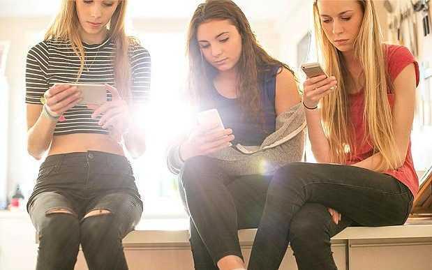 teens-model-releas_3462134b-large_trans++pJliwavx4coWFCaEkEsb3kvxIt-lGGWCWqwLa_RXJU8