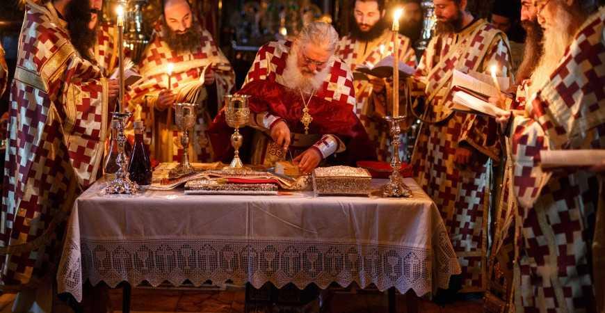 <i>&#8220;Nu ştiţi, oare, fiii cărui Duh sunteţi?&#8221;</i> &#8211; ISPITA &#8220;ULTIMATUMURILOR&#8221; si PRECIPITAREA RAVNEI FARA CHIBUZINTA/ De ce se pomeneste episcopul la Liturghie?/ SFANTUL SI MARELE SINOD&#8230; DIN LAUNTRUL NOSTRU ABANDONAT/ Litera si Duh in aplicarea canoanelor de catre duhovnic. DARUL DEOSEBIRII care nu &#8220;sparge capetele&#8221;