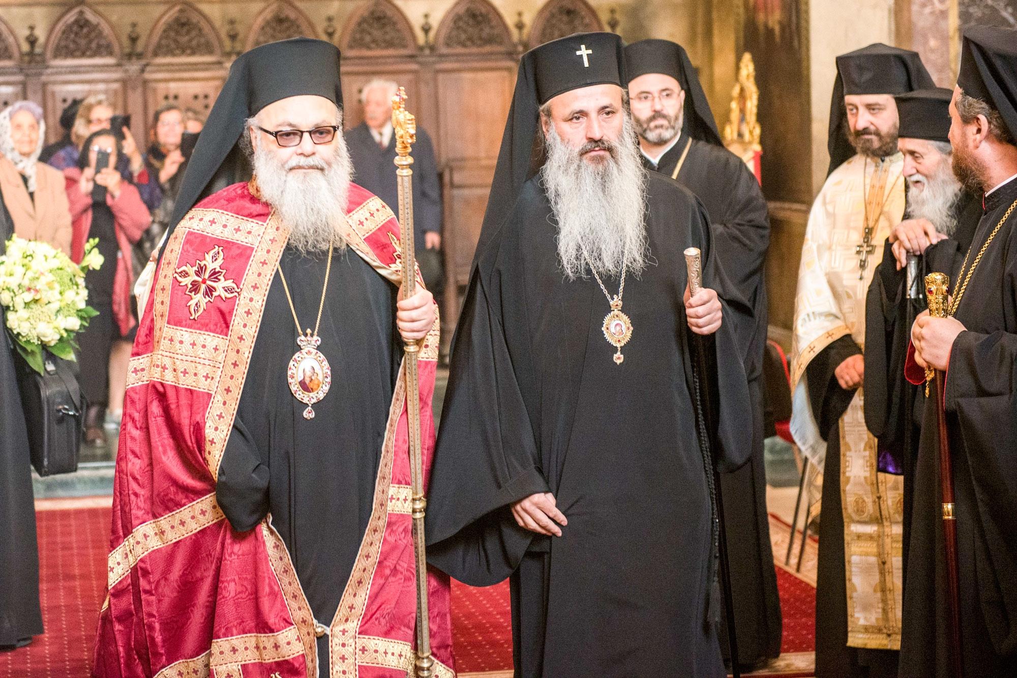 """PATRIARHUL ANTIOHIEI, IOAN AL X-LEA, IN MOLDOVA: <i>""""Suntem aici și ca să dăm un strigăt de pace pentru Orientul Mijlociu. Ne-am săturat de promisiuni și de călcarea drepturilor omului. SE PARE CA DREPTURILE OMULUI SE FORMEAZĂ DUPĂ INTERESELE CELOR PUTERNICI AI LUMII""""</i>/  Cuvântul de intampinare al IPS Teofan"""