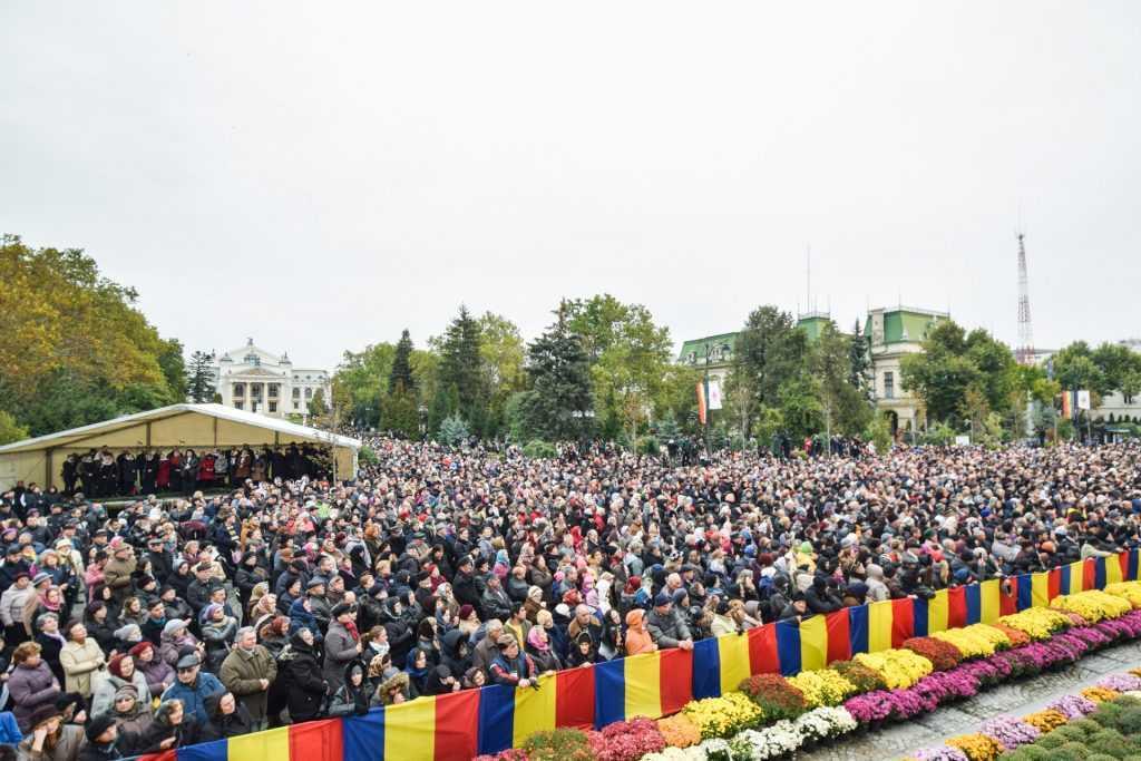 hram-Sfanta-Parascheva-2016