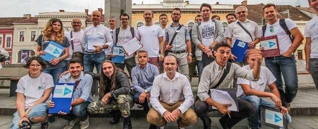 """NICUSOR DAN """"SALVEAZA"""" ROMÂNIA CU ANTICRESTINI VIRULENTI. Liderul USR Cluj, promotor al unui LIMBAJ DEFAIMATOR antiortodox/ PROTEST FATA DE CASATORIILE HOMOSEXUALE LA PARIS/ Olanda si eugenismul neonazist: ROTTERDAM VREA SA STERILIZEZE MAMELE """"IRESPONSABILE""""!"""