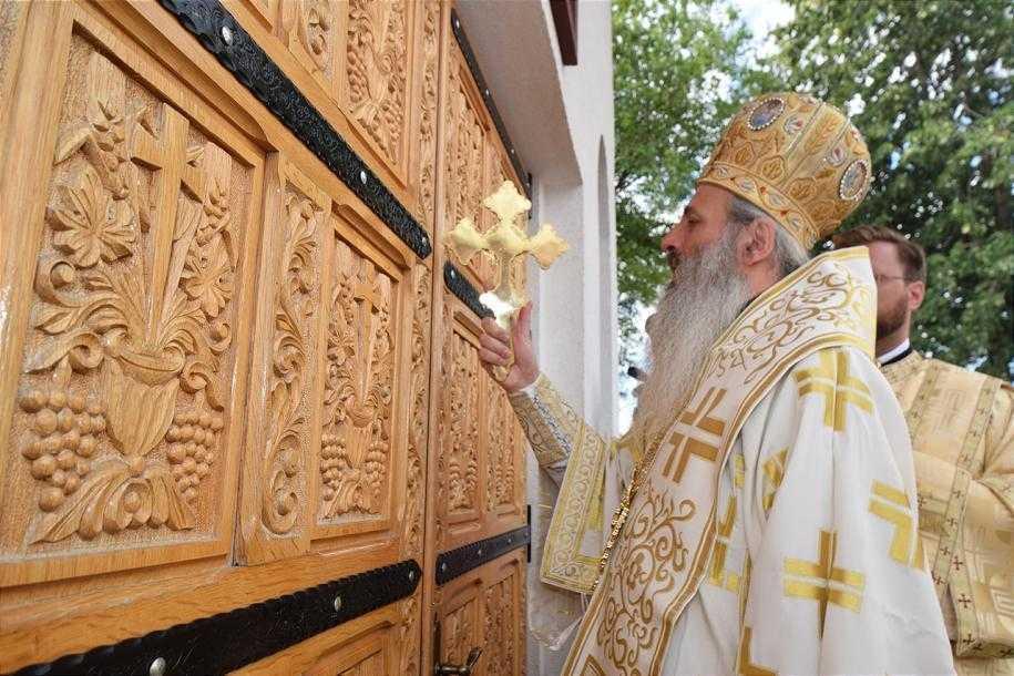 sfintire-biserica-sfantul-ioan-iacob-hozevitul-botosani-foto-tudorel-rusu_24_1280x853