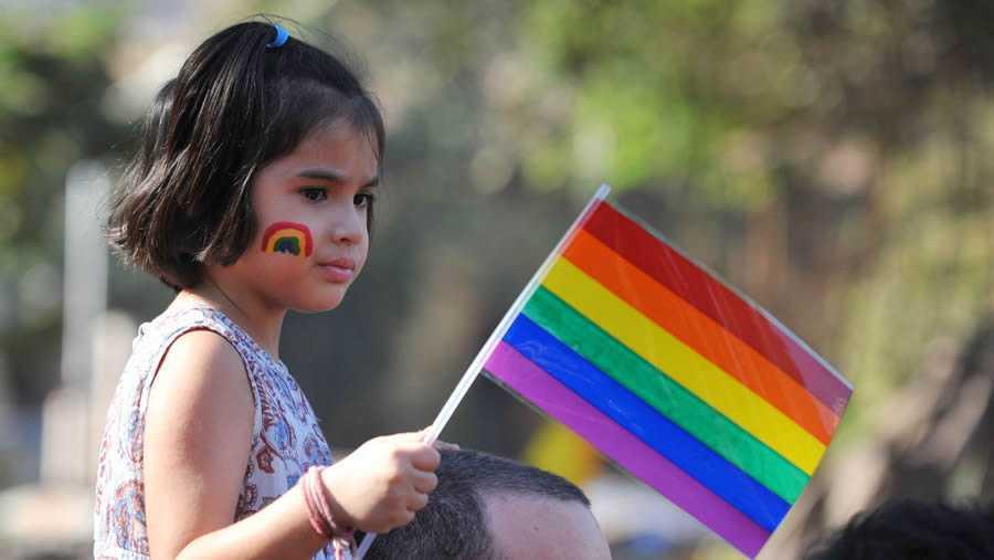NORVEGIA: minorii de cel putin 6 ANI isi pot schimba identitatea sexuala/de gen!/ Guvernul francez intentioneaza sa INCRIMINEZE PENAL siteurile PRO-VIATA/ Polonia da inapoi cu legea avortului/ PARTENERIATUL CIVIL – a patra incercare de legalizare in ROMANIA/ Studiu economic inedit: MAJORITATILE CRESTINE FINANTEAZA MASIV ECONOMIILE NATIONALE. Cu toate acestea, sunt subreprezentate politic