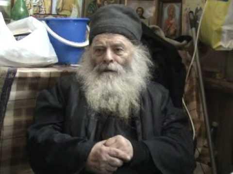 PARINTELE PROCLU A ADORMIT INTRU DOMNUL la varsta de 88 de ani. VIATA si SFATURILE de mantuire ale pustnicului nemtean (VIDEO). Inmormantarea va avea loc marti la manastirea SIHASTRIA PUTNEI