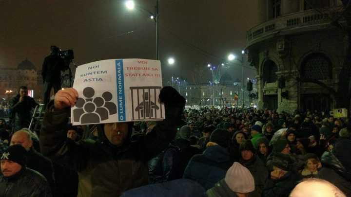 """<i>""""Ultima găină din aprozarul Europei""""</i>/ REVOLUTIA SECURITATII IMPOTRIVA PARTIDULUI. Poporul manifestant nu vrea democratie, vrea puscarii/ Mizerabila impostura a presedintelui """"JOSMAINILEDEPEDNA""""/ <i>""""Adio, România! Ne vedem în Iad!""""</i>"""