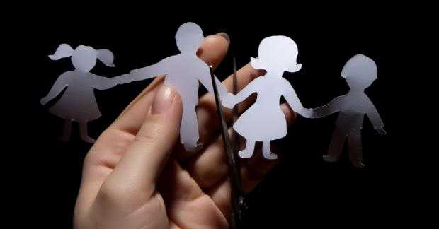 FERITI-VA COPIII DE SEXUALIZARE! <i>&#8220;Parintii poarta multa vinovatie pentru transformarea copiilor lor in revolutionari sexuali&#8221;</i>/ IDEOLOGIA DE GEN = ÎNCEPUTUL SFÂRȘITULUI pentru FEMINITATE și MASCULINITATE/ Germania: Agenda de gen face primele victime/ PARTENERIATELE CIVILE DAUNEAZA COPIILOR (II)/ Româncele fac copii la varste tot mai inaintate/ DEZASTRUL DEMOGRAFIC SE AGRAVEAZA