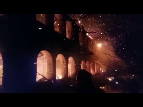 INCENDIU LA VALEA SCREZII. O casa din asezamantul parintelui Tanase a ars complet