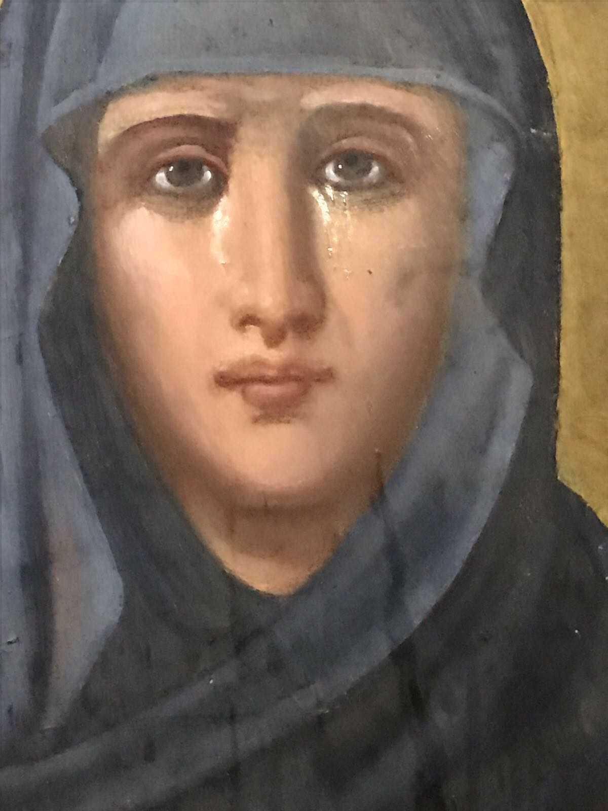 PLANGE PRODROMITA. Icoana Maicii Domnului Prodromita de la Muntele Athos ar varsa lacrimi (Video)/ Si icoana Sfintei Parascheva din Targoviste plange (Video)