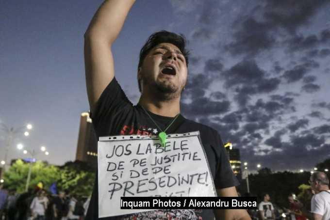 """Punct si de la capat cu protestele #Rezist intru APARAREA SISTEMULUI MAFIOT DE PROTECTIE care """"asigura spatele invadatorilor economici""""?"""