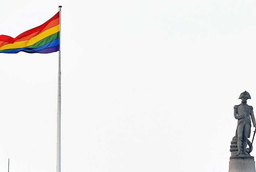 MAREA BRITANIE: DICTATURA ORWELLIANA CE A URMAT CASATORIILOR HOMOSEXUALE/ Australia: referendum consultativ pe tema REDEFINIRII CASATORIEI/ Razboiul impotriva referendumului pentru familie/ MINCIUNILE PROPAGANDISTILOR ANTI-CPF